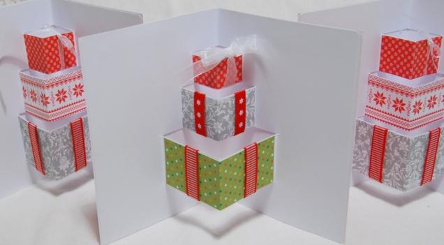 Pop-Up-Karte mit Geschenken